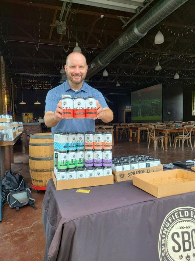https://brewery.springfieldbrewingco.com/wp-content/uploads/2021/07/smallbatch_clint-640x853.jpg