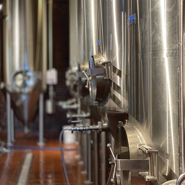 https://brewery.springfieldbrewingco.com/wp-content/uploads/2021/07/tanksTile-1.jpg